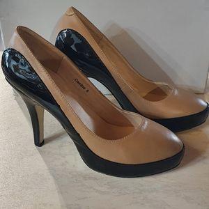 Size 8 SIGNATURE VANGOH heels